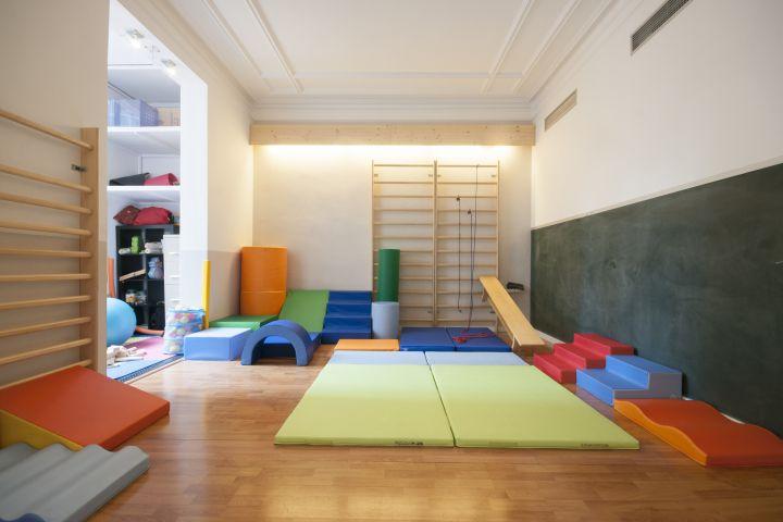 Centric escoleta espai de criança alternativa grup educacio viva activa psicomotricitat eixample