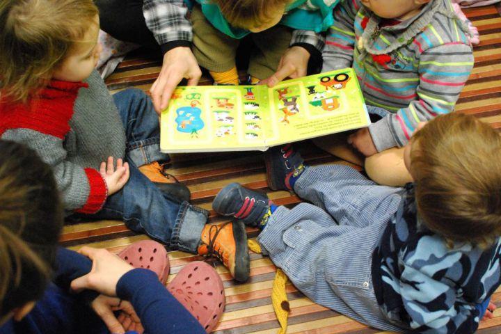 el monstre de paper poble sec espai de criança educacio educación alternativa escoleta bressol waldorf barcelona montjuic