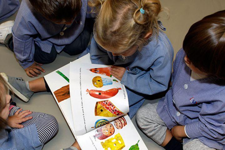 llegir contes nens escola betania patmos bressol infantil